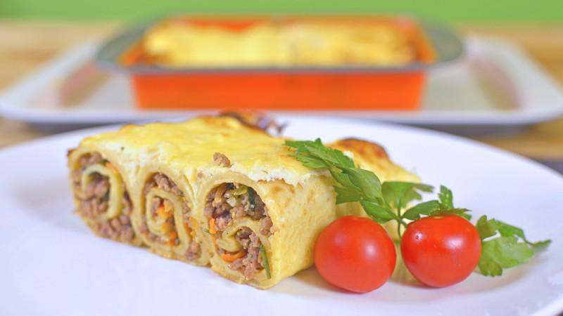 Видео рецепт: Потпечени палачинки со мелено месо