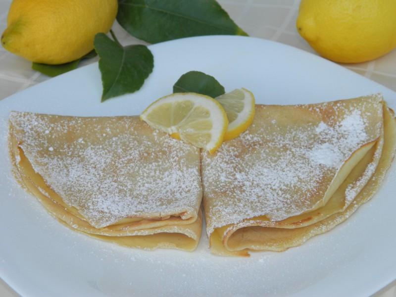 Палачинки со крем од лимон