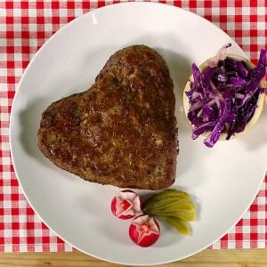 Видео рецепт: Мимоза Шарска плескавица
