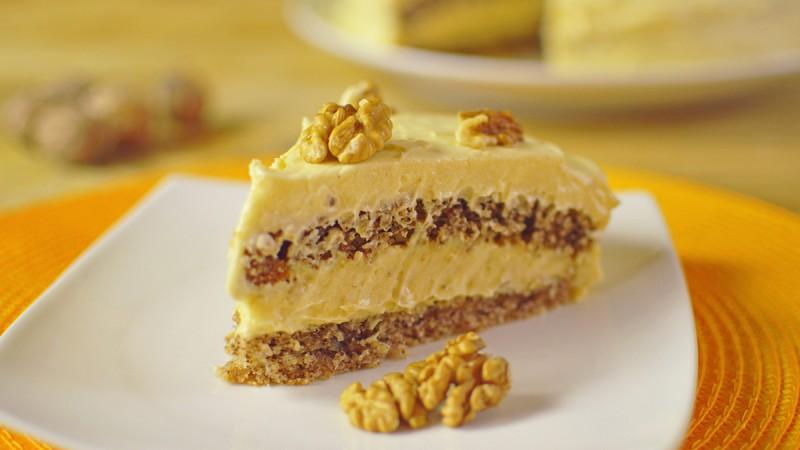 Видео рецепт: Посна торта со ореви и пудинг