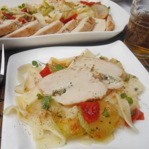 Пилешко со тестенини