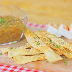Видео рецепт: Домашни фурнаринки со пинџур (посно)