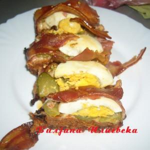 Ролат со мелено месо,јајца и сланина