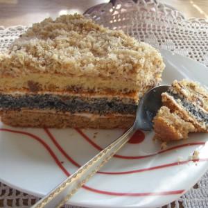Домашна торта со афион