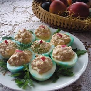 Полнети велигденски јајца