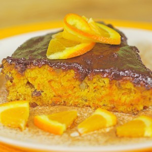 Видео рецепт: Посен колач со моркови и чоколадо