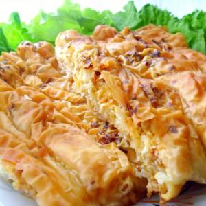 Сукани попарени банички со мелено месо