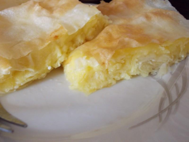 Гужвана пита со сирење