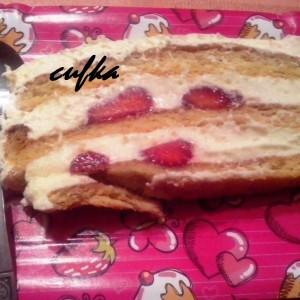 Торта со јагоди Снежана