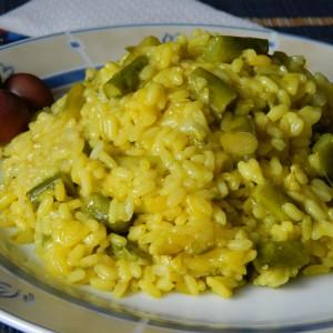 Ориз со аспарагус и шафран - посен