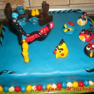 Роденденска торта со пудинзи од карамел
