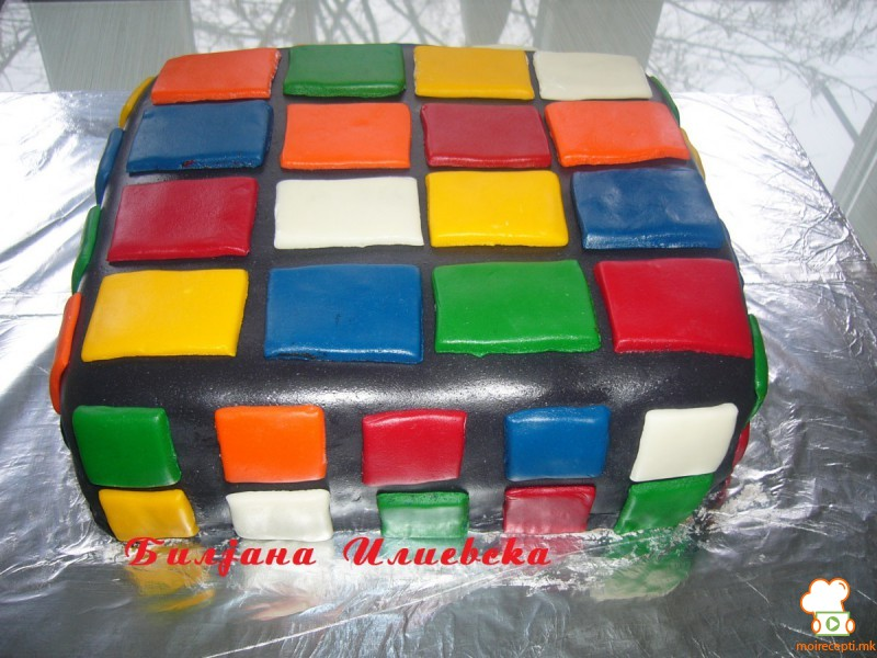 Рубикова коцка (роденденска торта)