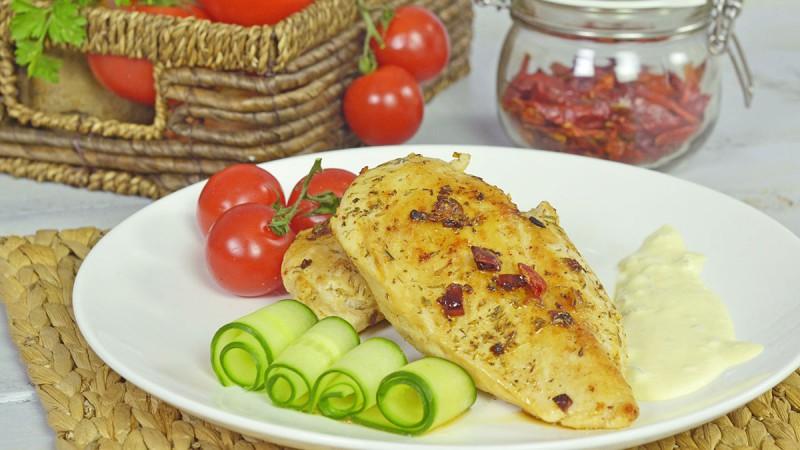Видео рецепт: Пилешки стек со чили и Тартар сос