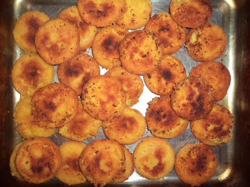 Плескавици со компири и кашкавал
