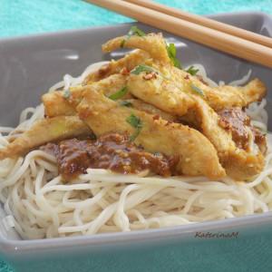Кинески шпагети со ориентален сос