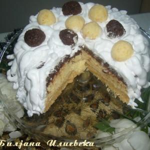 Непечена торта со кокос и ореви