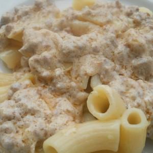 Макарони со сос од павлака