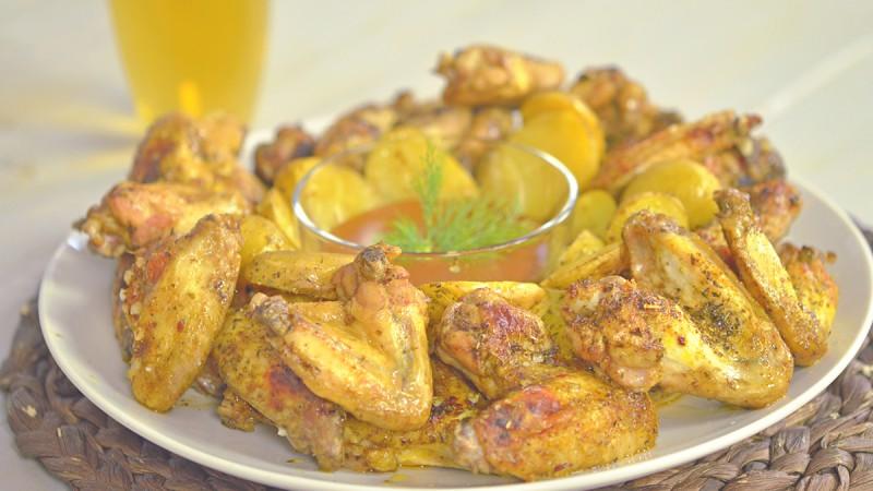 Видео рецепт: Налутени крилца со компири