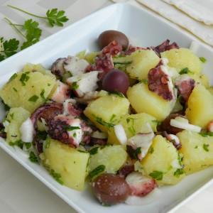 Салата од октопод и компири