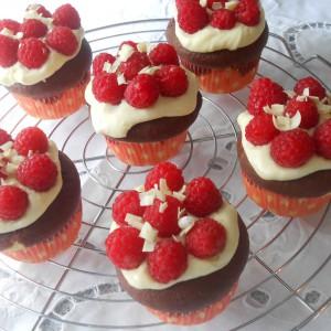 Тортички Снежана (Snow White Cupcakes)