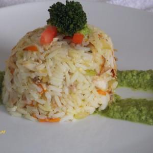 Ориз со пилешко и крема од брокула