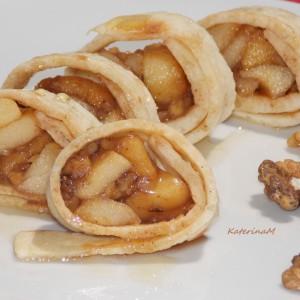 Лебчиња со карамелизирани јаболки (посно, без масло)