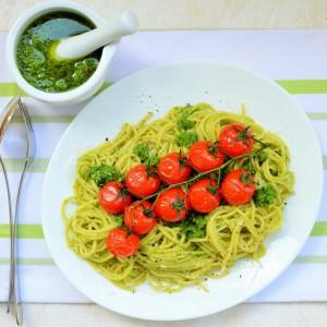 Шпагети со песто од рукола