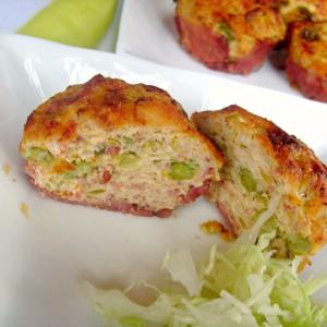Мафини со пилешко месо и тиквички