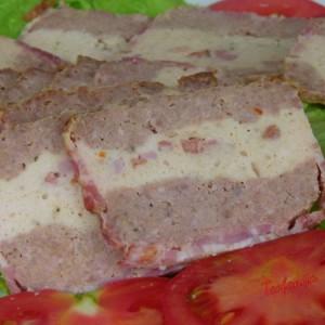 Печено мелено месо во сланина