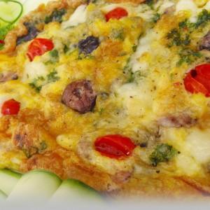 Омлет со зеленчук и маслинки