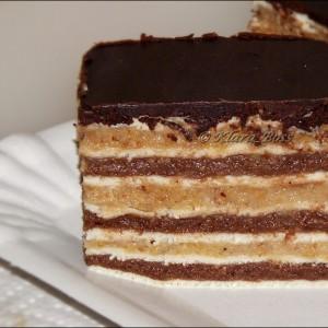 Розен торта со двобоен фил