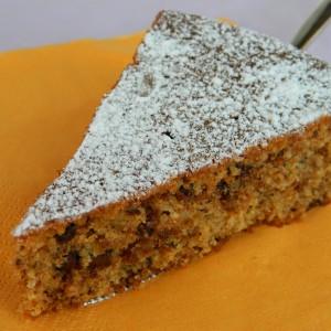 Торта со амарети колачиња и лебни трошки