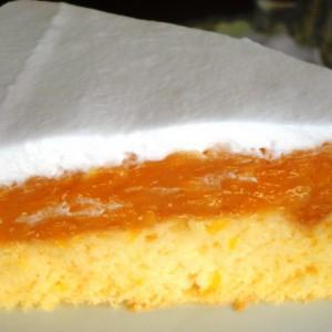 Овошна торта со праски