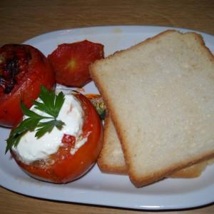 Полнети домати со телешко и ориз