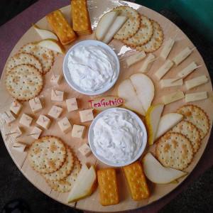 Даска со сирење и кашкавал (декорација)