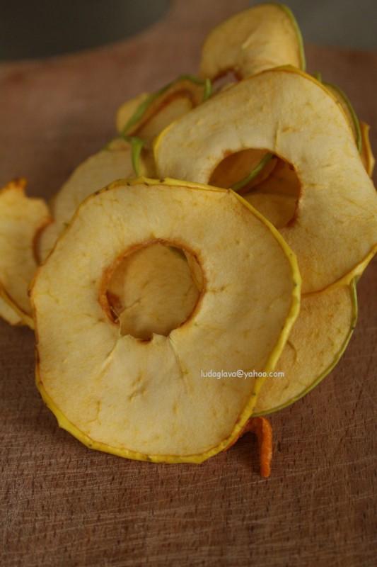 Чипс од јаболко (посно, веган)