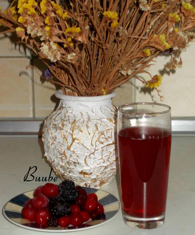 Сок од дренки, вишни и капини