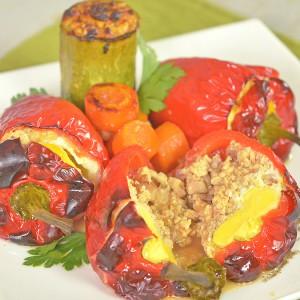 Видео рецепт: Полнети пиперки по рецептот на комшиката