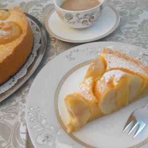 Ванила-оранж колач со јаболка