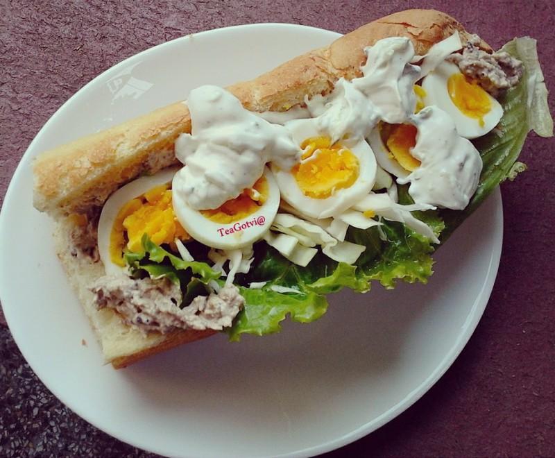 Сендвич со малиџано
