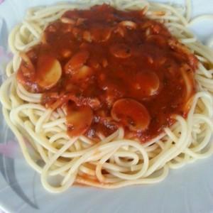 Доматен сос со печурки за тестенини