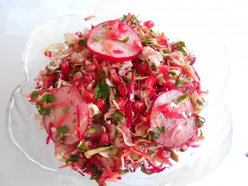 Есенска  декоративна свежа салата(витаминска бомба)