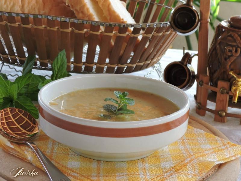 Крем супа од црвена леќа