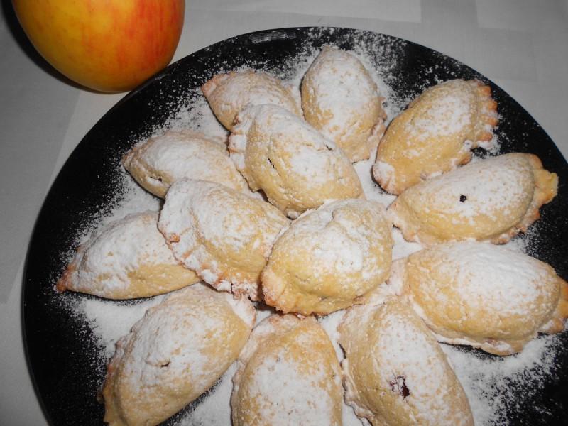 Перничиња со фил од цимет и јаболка