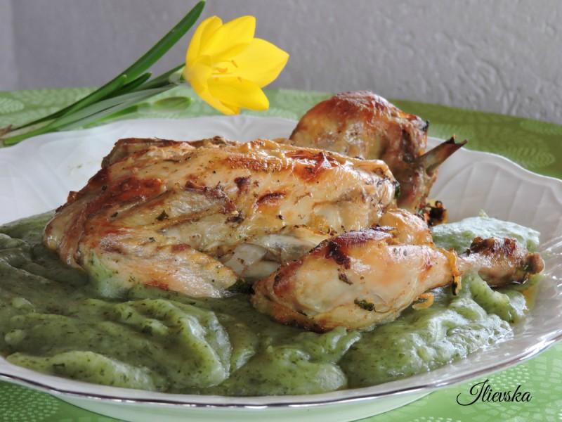 Печено пиле со пире од блитва