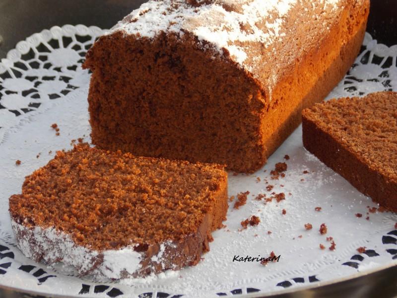 Чоколаден колач со мед