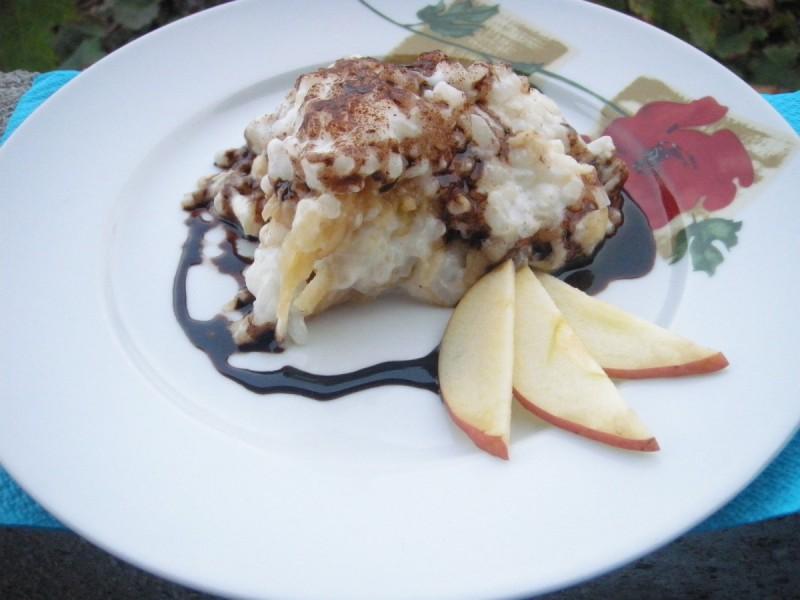 Ориз со јаболка и цимет