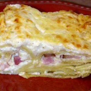 Палачинки со сирење во бешамел
