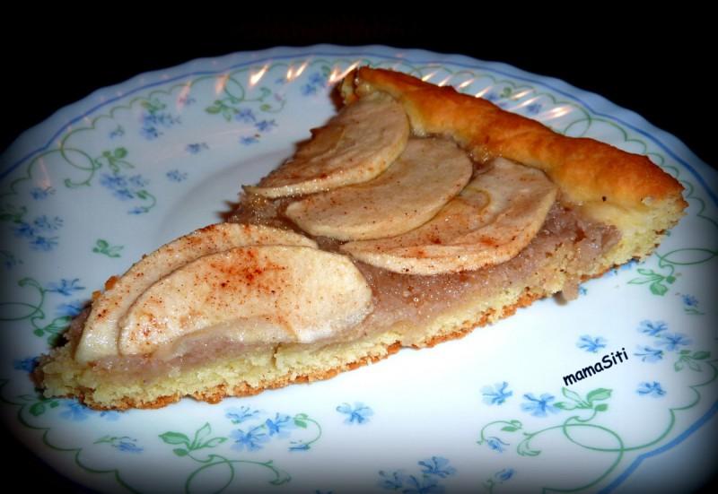 Француски колач со јаболка