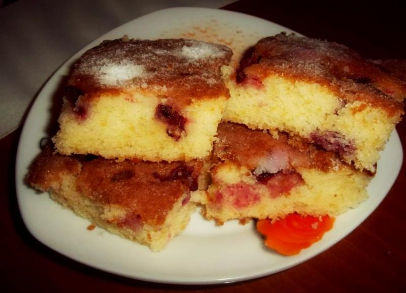 Брз и лесен колач со вишни
